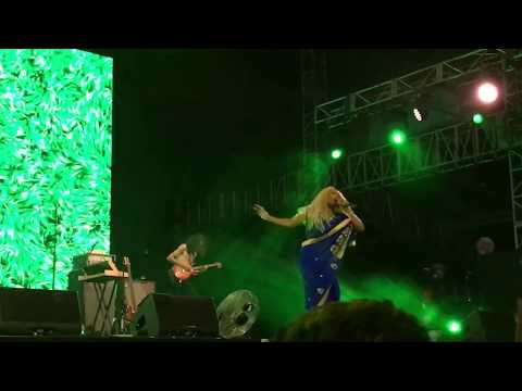 SZA - Normal Girl (Live at We The Fest 2018)
