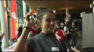 Honderden internationale studenten arriveren in Amsterdam