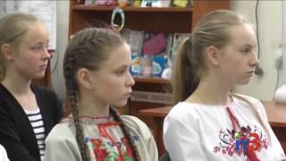 Черноморская мастерица В.Гоцуляк рассказала школьникам об особенностях вышиванок