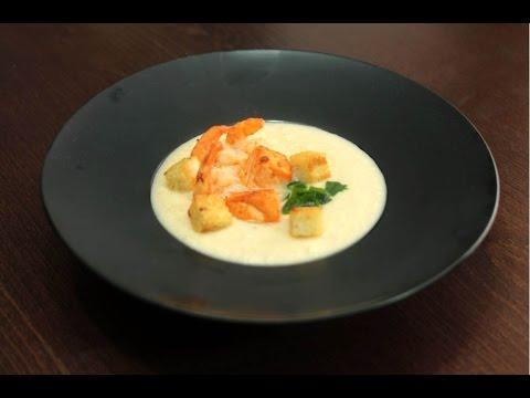 Сливочный крем суп с семгой и креветками