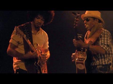 MALAGASY GUITAR MASTERS  - TSAKORARAKE  Live Au Hangar