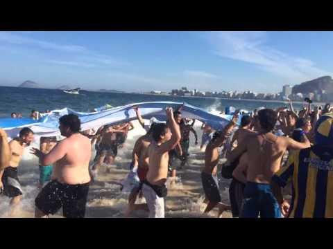 """""""Brasil decime que se siente"""" Argentina fans celebrate on Copacabana Beach"""