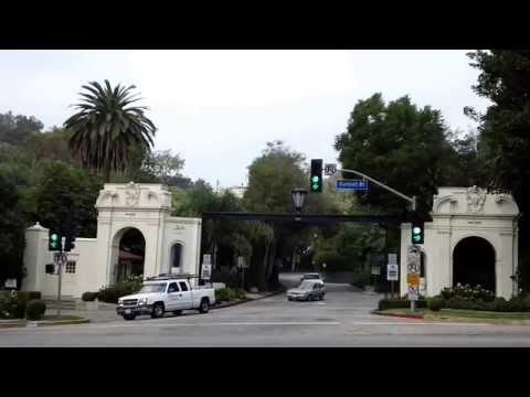 The Bel Air West Gate entrance to one of the most exclusive areas to live in Los Angeles.