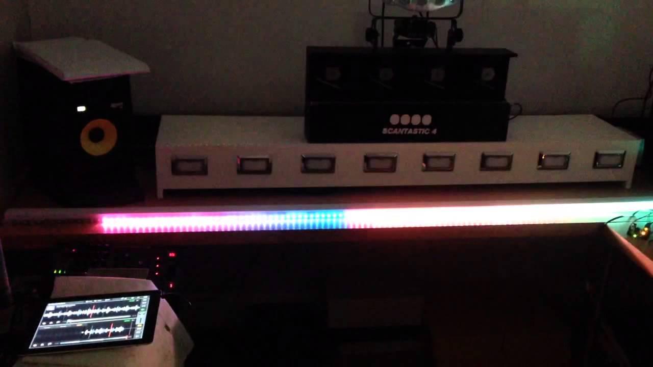 Arduino WS8212b VU meter by MrRobertpn