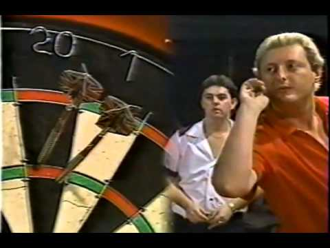 Eric Bristow having Mild Dartitis - 1988 BDO Winmau World Masters