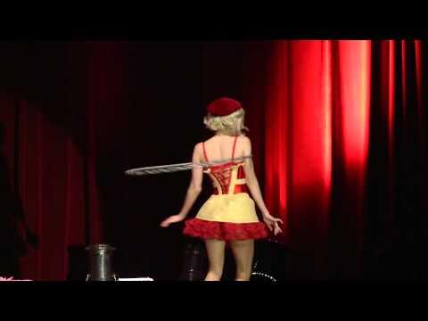 05 Lula Houp-Garou - Dirty Sexy Funny Burlesque Show