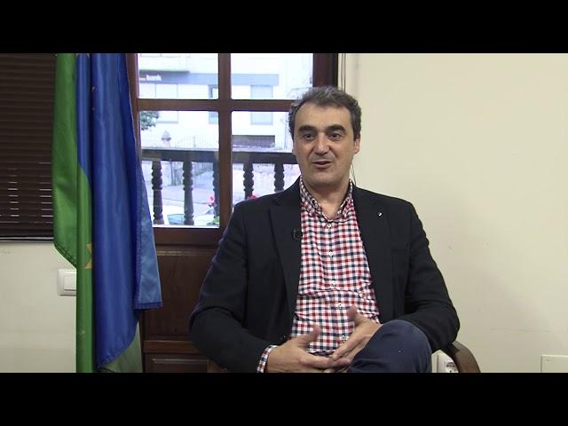 Felicitacion Navidad de Enrique Bretones; Alcalde de Alfoz de Lloredo