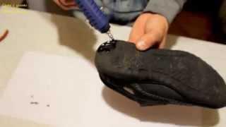 Нестандартное применение клеевого пистолета(Этот способ позволяет продлить жизнь вашей обуви на пару месяцев и избавит оп пападания воды внутрь в сырую..., 2015-10-22T13:50:09.000Z)