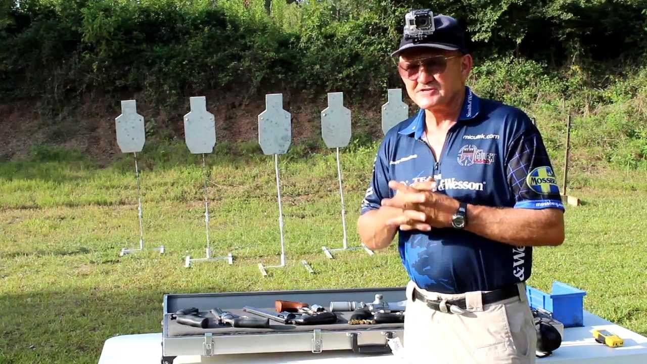S&W 629  44 Magnum 6 shots in 1 SECOND with Jerry Miculek!