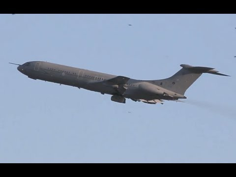 Royal Air Force VC-10 take off from Nice Côte d'Azur