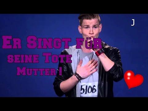 ER SINGT FÜR SEINE TOTE MUTTER ❤