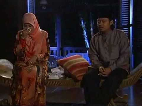 Alunan Muniff Yang Menyentap Peserta Gadis Melayu