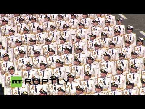 Russia: Female soldiers march for first time at Moscow Victory Day Parade