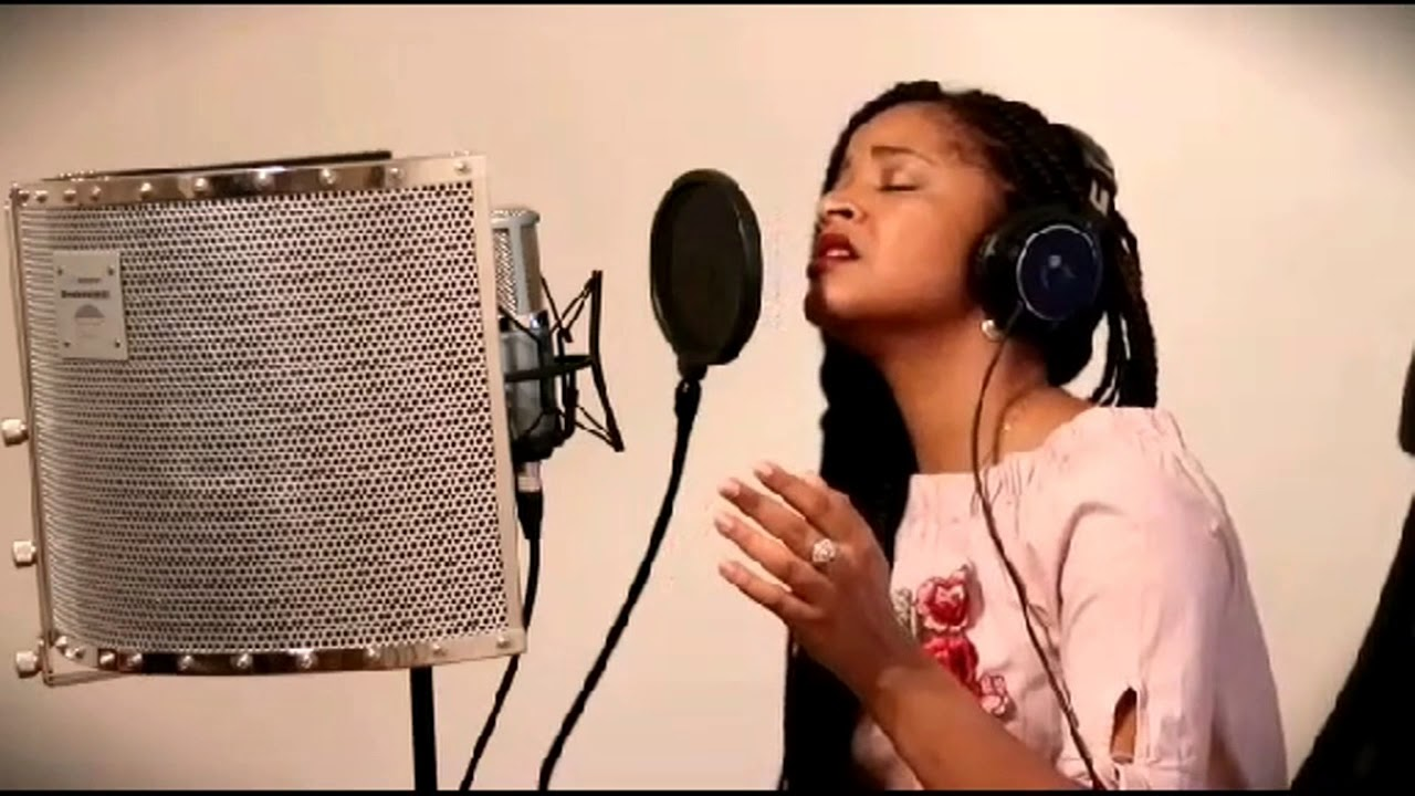 Download Hillsong - Even when it hurts (French Cover by Esther Do)