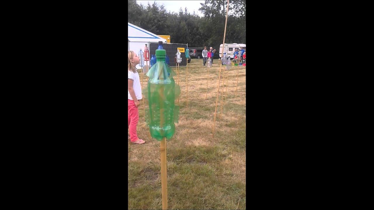 Onwijs plastic flessen in de wind - YouTube OE-84