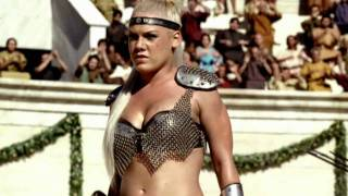 Pepsi Commercial HD - We Will Rock You (feat. Britney Spears, Beyonce, Pink & Enrique Iglesias)(http://www.glassworks.co.uk/ The commercial is set in the Roman Coliseum. A gladiatorial combat between 3 lady gladiators is about to occur. They come out to ..., 2010-07-22T14:00:59.000Z)