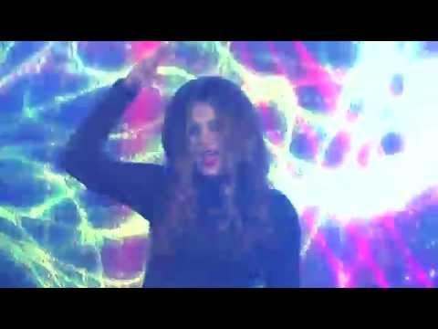 Dhurata Dora A BOMBI (Official Video HD) ZICO TV
