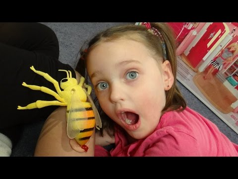 """Giant Killer Bee Attacks Stings Girls """"Victoria & Annabelle Toy Freaks"""" Spatula Girl"""