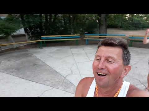 Солнышко Курортного, Даня и Орешка приглашают на дискотеку базы отдыха Приморск.