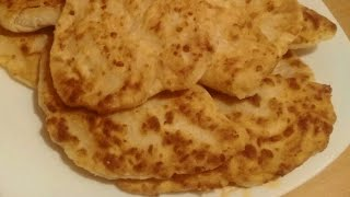Сырные лепешки с начинкой. Сырные лепешки на завтрак. Сырные лепешки на сковороде.