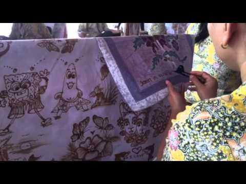 Watching batik artists in Bali 2016