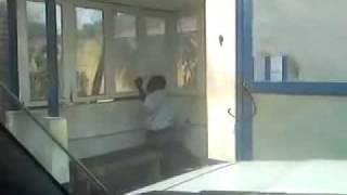 Porteiro bebado em Angola