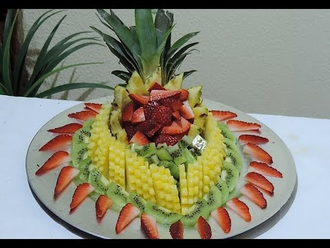 HOW TO MAKE A FRUIT CENTER WITH PINEAPPLE, STRAWBERRY AND KIWI - J.Pereira Art Carving Fruits