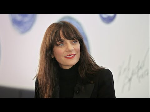 Spring-Summer 2018 Collection : Lucia Pica & Caroline de Maigret at colette - CHANEL Mp3