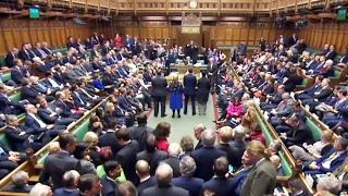 видео Британский парламент одобрил законопроект о запуске процедуры выхода страны из ЕС