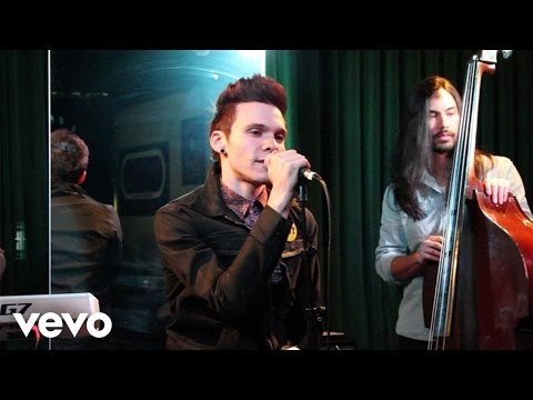 Matthew Koma - Suitcase (Live At The Cherrytree House)