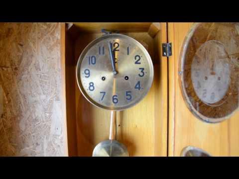 """Часы """"Орловский часовой завод"""" с боем 1958 год."""
