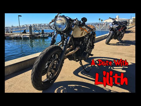 Riding Lilith: Suzuki GS550 Cafe Racer