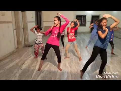 Halad pivali sairat movie song practice video full video coming soon RSDA