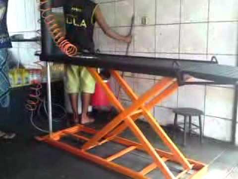 Sollevatore moto idraulico doovi for Ponte alzamoto