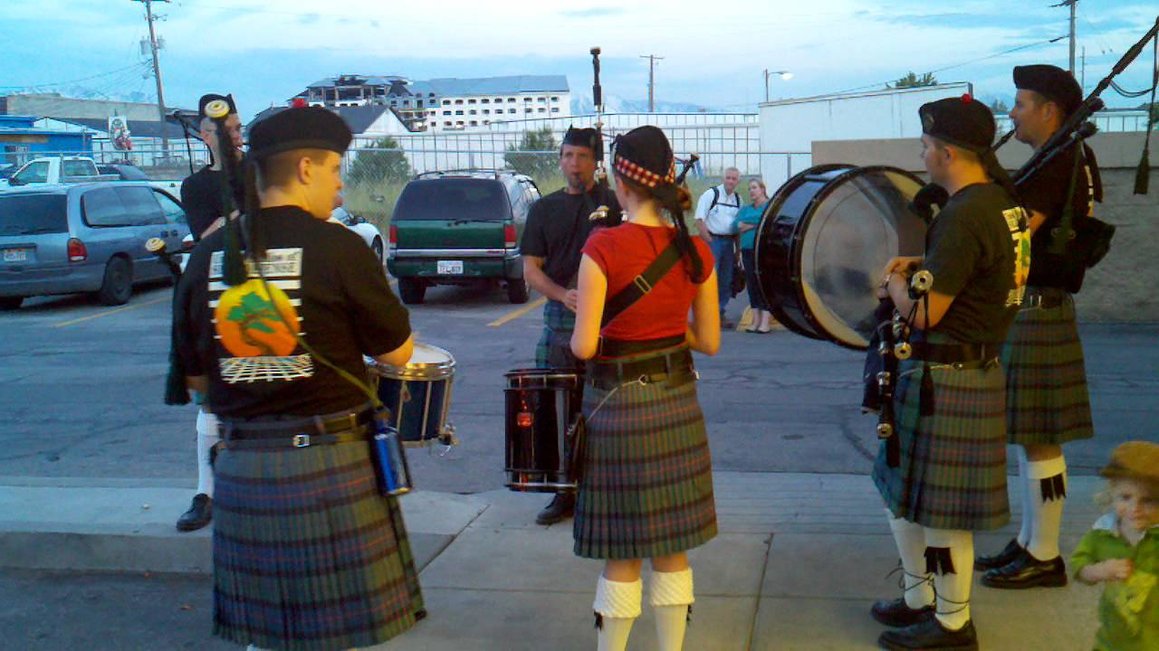 57fa43efde15 We Will Rock You Bagpipes - YouTube