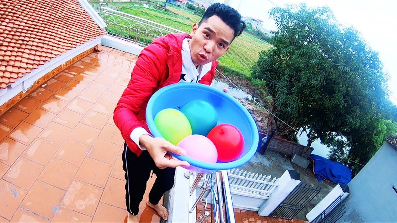 PHD | Thả Bóng Bay Nước Vào Người | Water Balloons