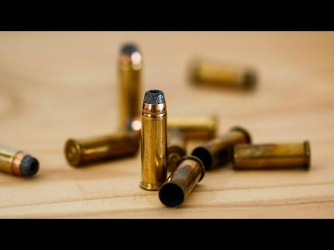 Professora baleada durante assalto tem morte cerebral confirmada | SBT Notícias (04/04/18)
