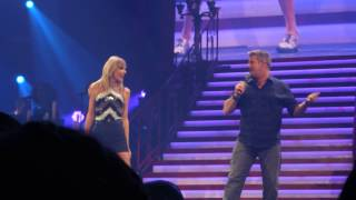 "Taylor Swift and Rascal Flatts perform ""What Hurts the Most"""