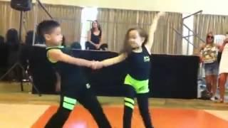Танец маленьких детей