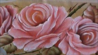 Pintando rosas em toalha de mão – 2  Cristina Ribeiro – Loucos por Pintura