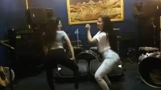 Ghea Youbi & Gina Youbi Goyang Hot