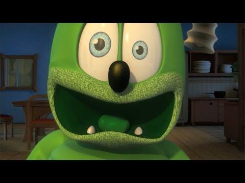 Gummibär SANTA CLAUS IS COMING 2 TOWN Gummy Bear Cover Song