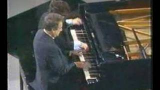 Victor Borge - Hungarian Rhapsody No. 2 piano jokes