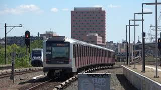 GVB M5 130/129 vertrekt van station Duivendrecht