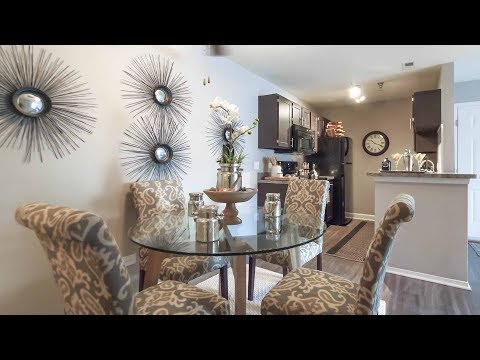 A Waterford model 2-bedroom, 2-bath apartment in Aurora at Hunter's Glen