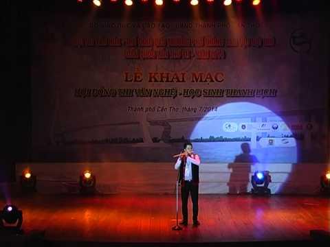 Thi văn nghệ của trường phổ thông dân tộc nội trú Hà Nội