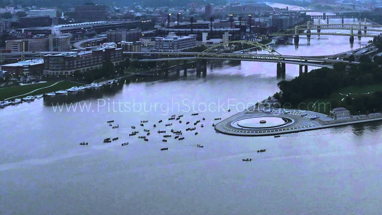 Pittsburgh fishing boats on the ohio river early morning for Fishing in pittsburgh