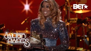 Yolanda Adams Thanks Her Family & Fans As She Accepts The Lady Of Soul Award!   Soul Train Awards 19