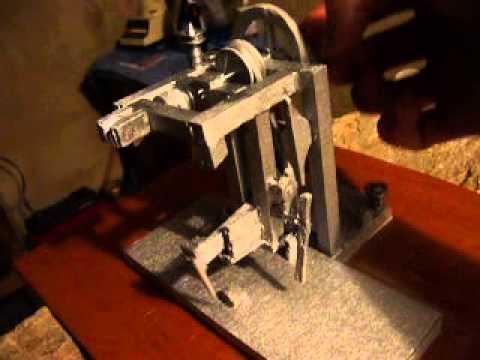 Maqueta maquina de coser mecanica - YouTube