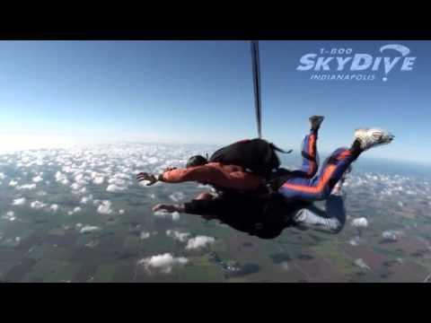 Dean Hill -  Rober Titus's Tandem skydive!